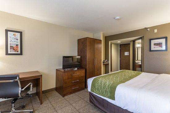 Comfort Inn U0026 Suites Albuquerque Downtown $63 ($̶7̶1̶)   UPDATED 2018  Prices U0026 Hotel Reviews   NM   TripAdvisor