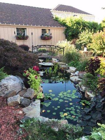 Bellevue, KY: Event center and garden