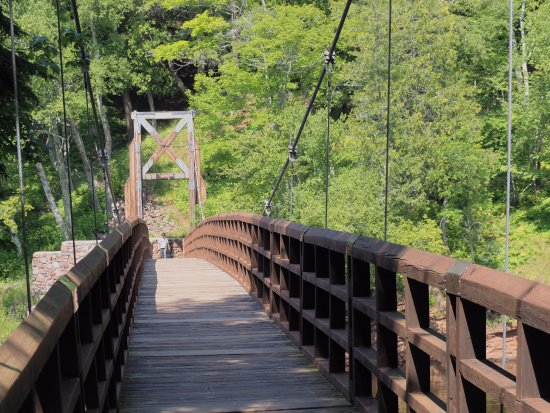 Ironwood, MI: This bridge does rock