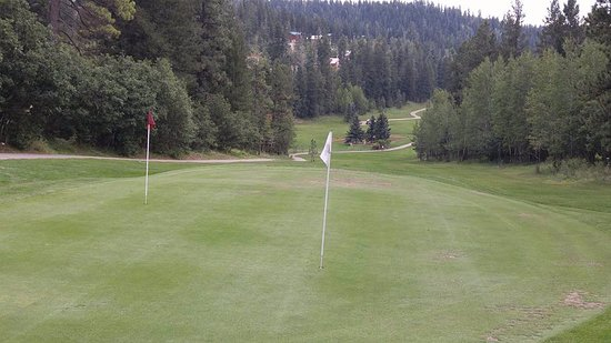 Cloudcroft, NM: Two holes per green = 18 holes.