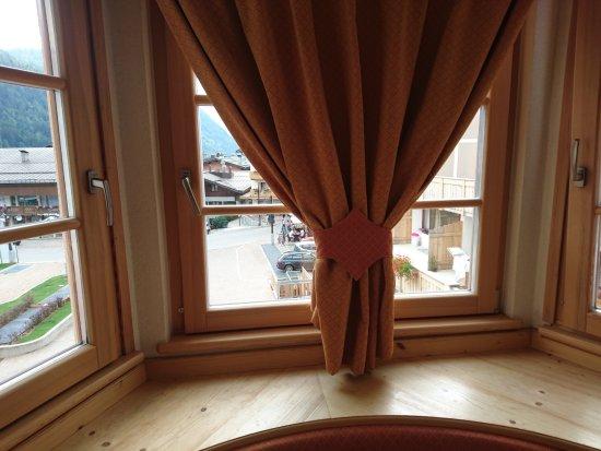 Sporthotel Romantic Plaza: Vista incantevole del centro di Madonna di Campiglio.