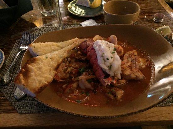 Huggo's Restaurant: Ciopinno with lobster, shrimp, scallop and fresh fish