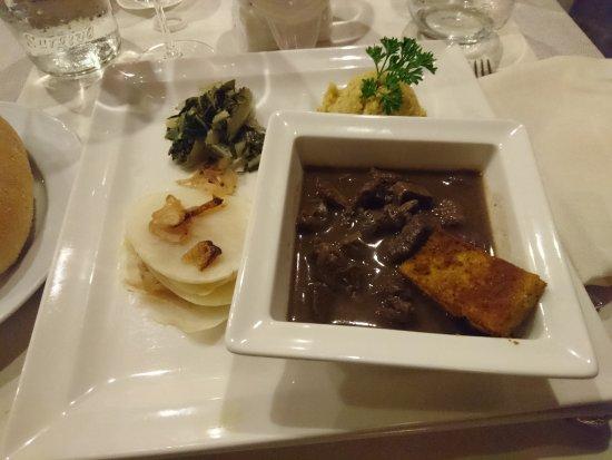 Sporthotel Romantic Plaza: Salmi' di capriolo con polenta e patate ..buonissimo..