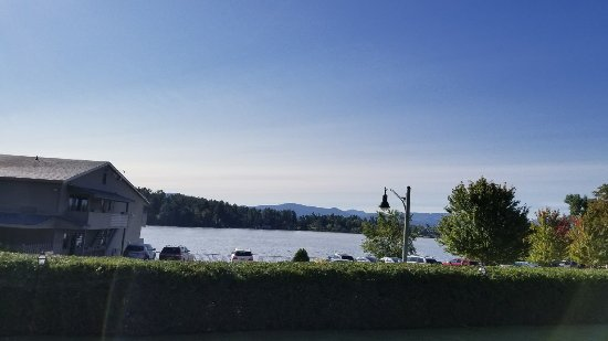 Lake House: Morning view from 1st floor 2-full bed room (MIrror Lake view)