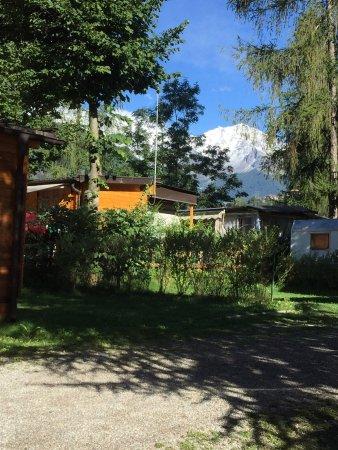Ossana, Italy: Veduta, da un lato del campeggio, della vetta del Vioz (03.09.2017).