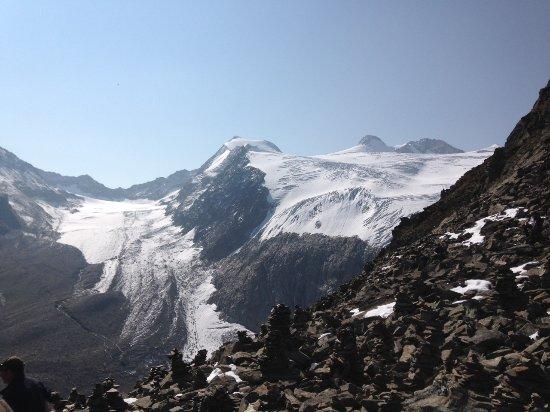 Sulzenauer Hutte: Blick auf den Sulzenau Gletscher vom Peiljoch