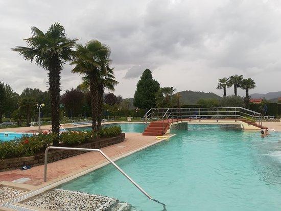 Hotel Leonardo Da Vinci Terme & Golf: Piscina esterna