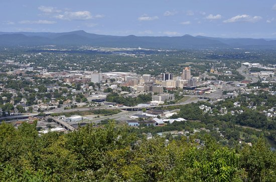 Roanoke, VA: View of the city