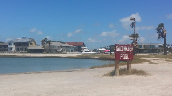 Rockport, TX: Saltwater pool