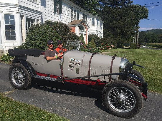 Blackberry River Inn: 1924 Bentley!  Amazing!!