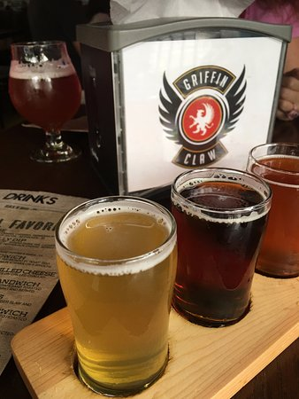 Griffin Claw Brewing Company: Beer Flight!