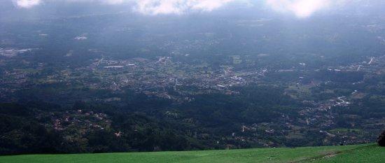 Caramulo, البرتغال: Un petit tour en parapente ? Vue magnifique.