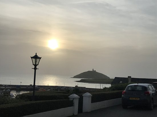 Ballycotton, Ireland: The moon rising