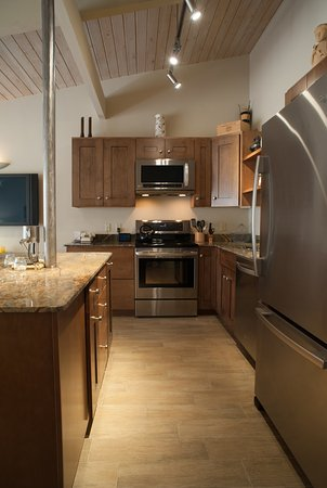 Taos Ski Valley, Nuevo Mexico: Beautifully Updated Kitchen