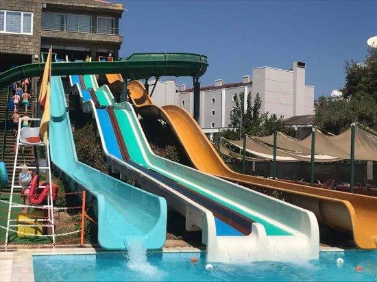 Marmaris Atlantis Waterpark : Some more slides