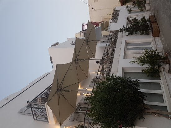 Boutique Hotel Glaros: 20170910_192830_large.jpg