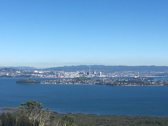 Rangitoto Island : View of the city from the summit