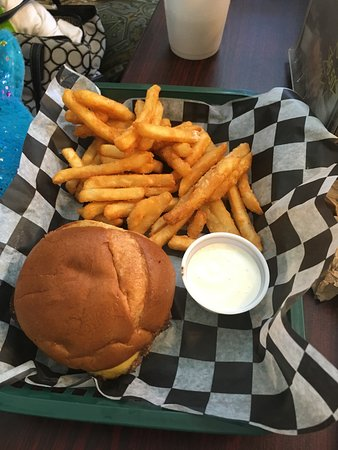 Carol's cafe: Cheeseburger & Fries