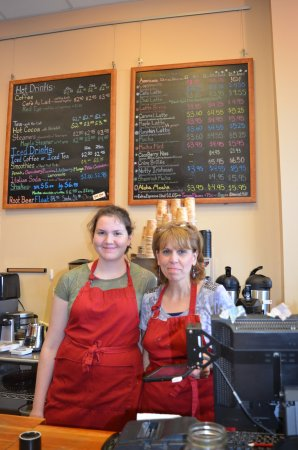 Windsor, VT: Welcoming counter at Boston Dreams with Evy on the left and owner, Karen on the right.