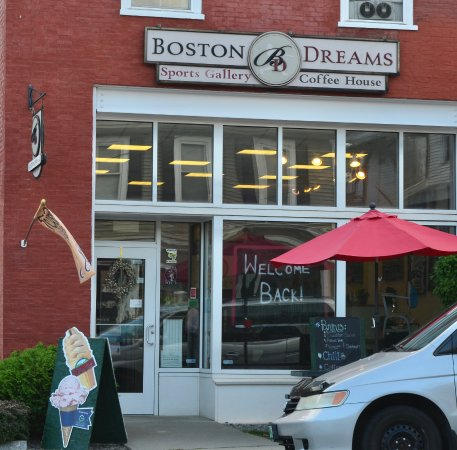 Windsor, VT: Boston Dreams Coffee House and Sports Gallery