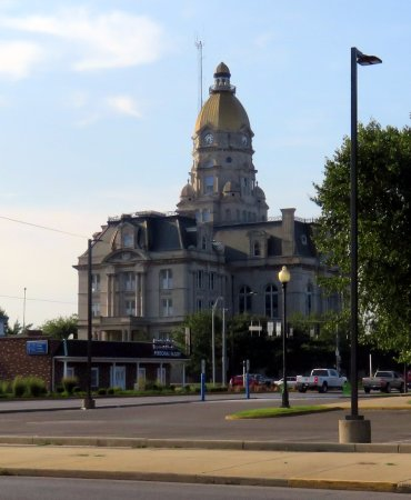 ‪‪Terre Haute‬, ‪Indiana‬: a view of the Vigo County Courthouse‬