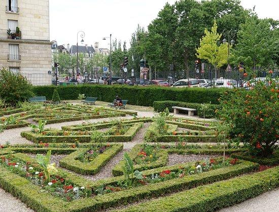 Jardin de l'Hotel de Sens