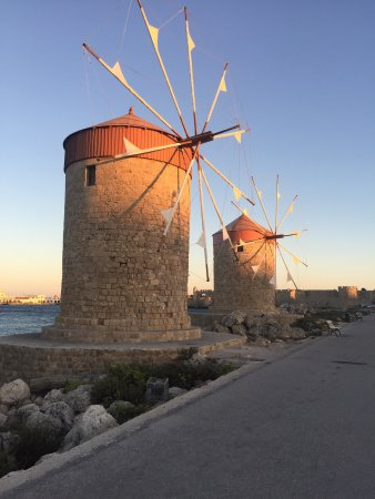 Panorama Hotel Apartments: Windmills at the harbour