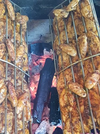 Argenteuil, Francia: Churasco, frango na brasa,