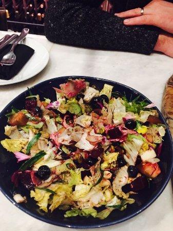 Culver City, Kaliforniya: My wifes favourite salad