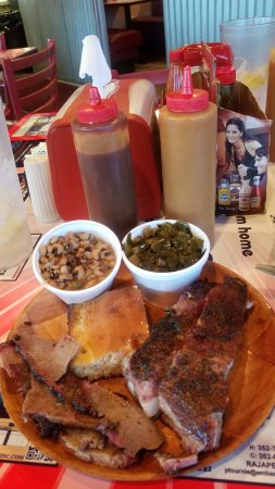 Fruitland Park, FL: Brisket, Pork Short Ribs, Black Eyed Peas, Collard Greens and Cornbread