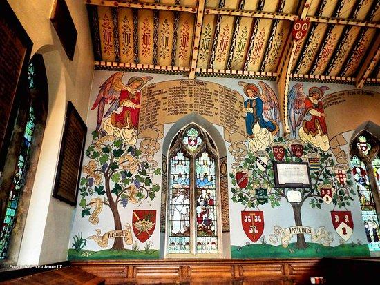 Helmsley, UK: Church wall