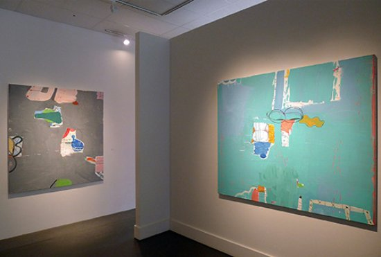 """Ketchum, Айдахо: Gary Komarin's abstract painitngs featured in his exhibition """"The Dance Card""""."""