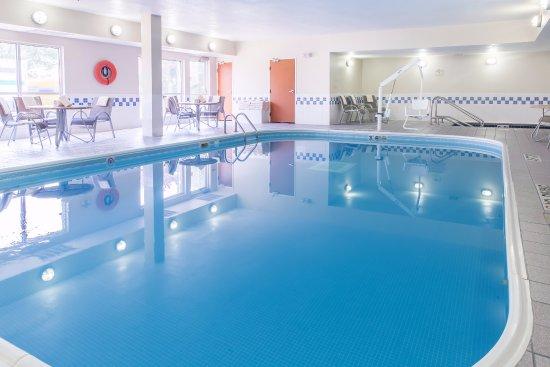 Fairfield Inn & Suites Minneapolis Eden Prairie: Indoor Heated Pool