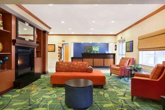 Burnsville, MN: Lobby Seating Area