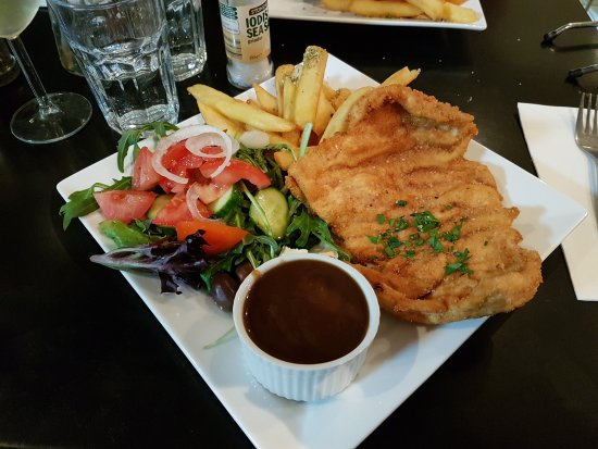 Arncliffe, Australia: Yummy. Food last night was great. Breakfast was wonderful.  Service excellent on both occasions.