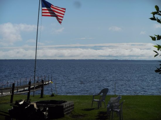 Houghton Lake, MI: The view from the deck on our cabin.