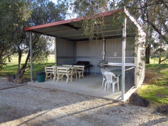 Chiltern, ออสเตรเลีย: BBQ area