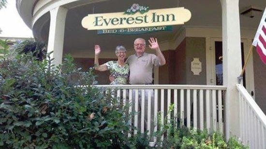 วอซอ, วิสคอนซิน: Lori and Dave Torkko owners welcome back all their previous guests with open arms.