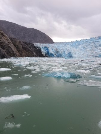 Tracy Arm Fjord: Blue ice in Sawyer Glacier