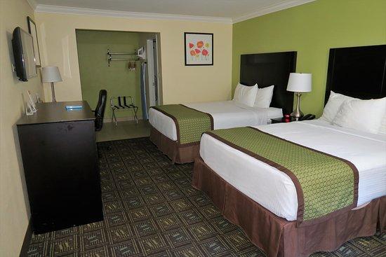 ramada anaheim maingate north 114 1 4 9 updated. Black Bedroom Furniture Sets. Home Design Ideas