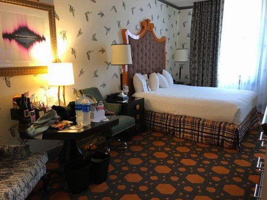 Kimpton Hotel Monaco Portland: Nice spacious room