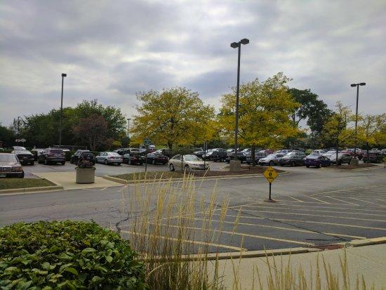 เดเรียน, อิลลินอยส์: Parking lot