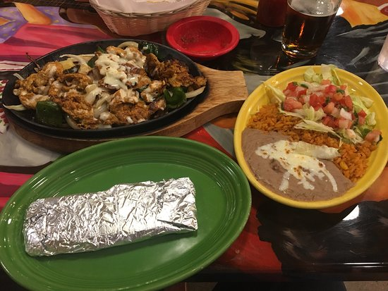 Devils Lake, ND: Fajitas Vallarta