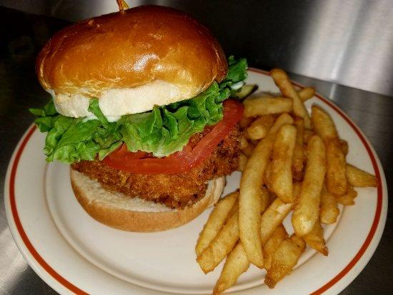 อัลบีออน, มิชิแกน: Fried Chicken Sandwich