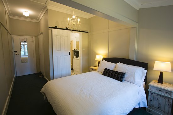 Bundanoon, Australia: Newly refurbished ensuite room