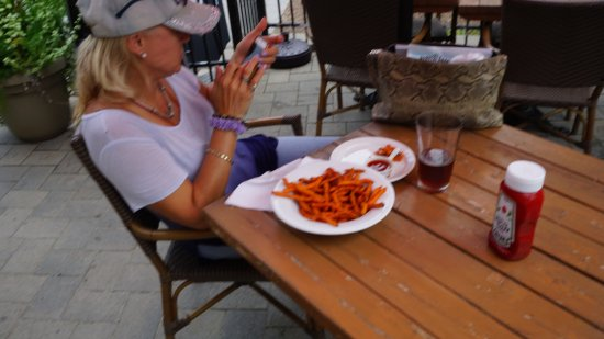 Rusty's: Popular sweet potatoe fries