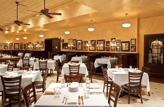 The Westin Lombard Yorktown Center: Harry Caray's Italian Steakhouse