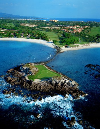 The St. Regis Punta Mita Resort: Tail of the whale