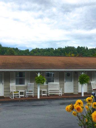Alpine Village Inn Photo