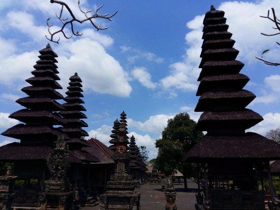 Mengwi, Indonésie : Meru or multi-tiered shrines